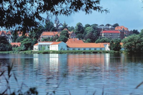 Golf Hotel Viborg set fra søen