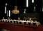 Opstilling af langt bord til middag